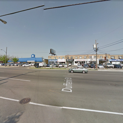 Intersection of Glengrove Ave and Dufferin Street before traffic signal installation
